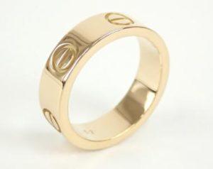 新川優愛 結婚指輪