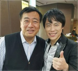 石田社長と歌手
