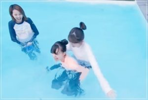 ニナとリクのプール