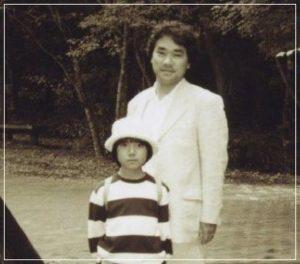 小室圭と父親